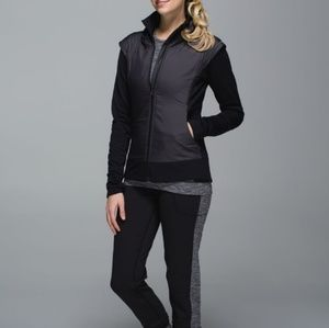 Lululemon Snug Sprinter Black Size 6 EUC hooded